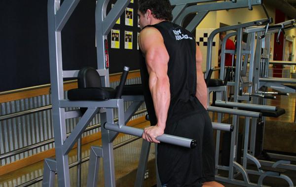 bazovie-uprazneniya-na-triceps 4